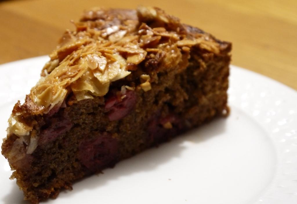 Schoko-Kirsch-Nuss-Kuchen