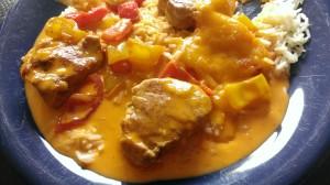 Filet-Töpfchen mit Paprika und Metaxasauce